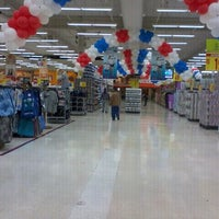 Photo taken at Carrefour by Marcelo Carlos V. on 9/15/2011