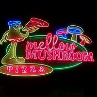 Photo taken at Mellow Mushroom by Dan T. on 4/18/2011