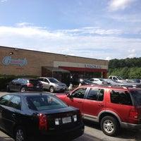 Photo taken at Gunnings Seafood by Tamra P. on 7/28/2012