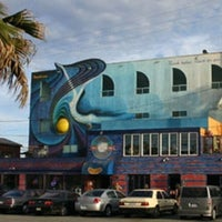 Photo taken at Venice Whaler Bar & Grill by Arthur B. on 7/21/2012