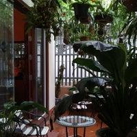 Photo taken at Cà phê Nấm by Ngựa H. on 10/7/2011