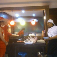 Photo taken at ร้านอาหารเยาวราช by หมาใหญ่ ห. on 12/15/2011