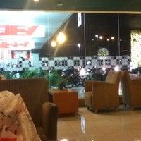 Photo taken at Bengawan Solo Coffee by rouf on 4/22/2012