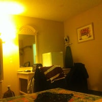 Photo taken at Travelodge by Miguel Angel P. on 12/18/2011