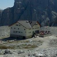 Photo taken at Rif. Franco Cavazza al Pisciadù / Pisciadùhütte by Andrea V. on 8/25/2011