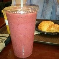 Foto tirada no(a) Gigi Cafe por SuBarNYC em 10/17/2011