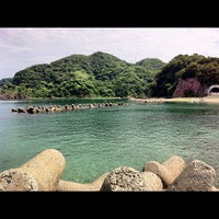 Photo taken at 諸寄海岸 by pirokichi0819 on 8/26/2012