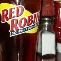 Photo taken at Red Robin Gourmet Burgers by Orlando P. on 10/24/2011