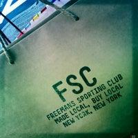 Photo taken at Freemans Sporting Club by Perlorian B. on 9/11/2012