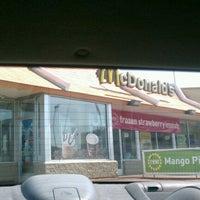 Photo taken at McDonald's by Sedi N. on 8/20/2011