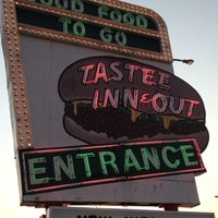 Photo taken at Tastee Inn & Out by Ezequiel F. on 7/3/2012