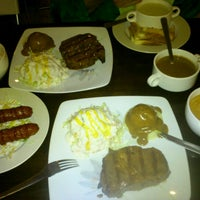 Photo taken at Me'nate Steak Hub by Abdul Razak S. on 8/31/2012
