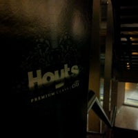 Photo taken at Hoyts Premium Class by Sepa L. on 1/3/2012