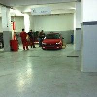 Photo taken at Citroen Serhan by Erel H. on 10/19/2011