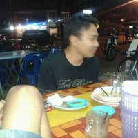 Photo taken at Muara Tomyam by Firdaus M. on 1/27/2012
