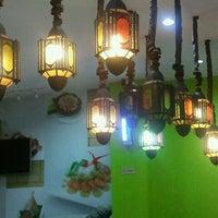 Photo taken at Restoran Kayu Manis by Baharuddin A. on 9/7/2011