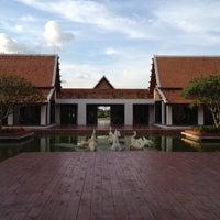 Photo taken at Sukhothai Heritage Resort by วิรัตน์ ศันสนีย เ. on 5/28/2012