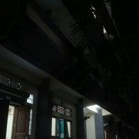 Photo taken at Fakultas Ekonomi by Iytha T. on 3/29/2012
