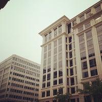 Photo taken at Hilton Garden Inn Washington DC Downtown by Alberto Lempira G. on 8/19/2012