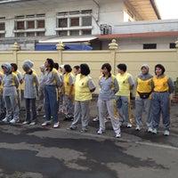 Photo taken at Polres Metro Jakarta Timur by rina fitri p. on 9/7/2012