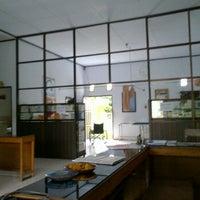 Photo taken at Klinik bhayangkara polman by Sapril B. on 12/11/2011