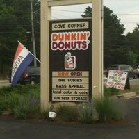 Photo taken at Dunkin' Donuts by Beverly B. on 7/7/2012