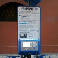 Photo taken at Vélo Bleu (Station No. 28) by Iarla B. on 3/31/2012