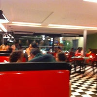 Photo taken at Eddie Fine Burgers by Emilio B. on 4/3/2011