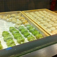 Photo taken at Dumpling Man by Betsy S. on 8/10/2012