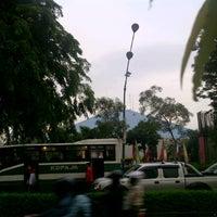 Photo taken at Gelanggang Mahasiswa Soemantri Brojonegoro by Dody P. on 11/10/2011