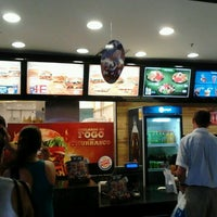 Photo taken at Burger King by Fabricio M. on 2/12/2012