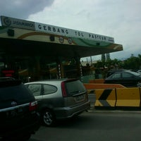 Photo taken at Gerbang Tol Pasteur by Akang A. on 3/11/2012