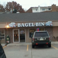 Photo taken at Bagel Bin by Royce M. on 11/12/2011