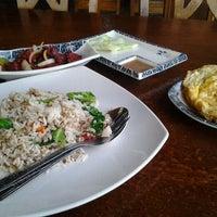 Photo taken at Irfan Tomyam Seafood by Zaidi J. on 4/17/2012