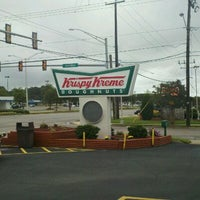 Photo taken at Krispy Kreme Doughnuts by Jessica S. on 9/19/2011