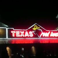 Photo taken at Texas Roadhouse by Shevonne C. on 11/20/2011