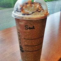 Photo taken at Starbucks by Saulo E. on 8/17/2012