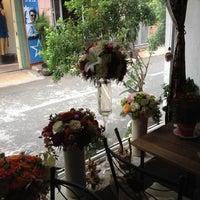 Photo taken at Café Gác Hoa by Nghia T. on 6/6/2012