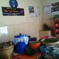 Photo taken at Pecel Mbok Djo by Mustika S. on 6/17/2012