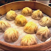 Photo taken at Din Tai Fung by Lianuh on 10/13/2011