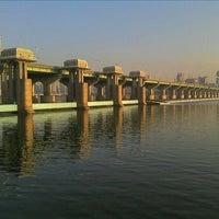 Photo taken at Jamsil Bridge by Eungbong K. on 1/16/2012