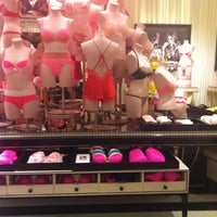 Photo taken at Victoria's Secret by Brevis🐦 on 8/16/2012