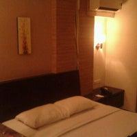 Photo taken at Hotel Losari Roxy by En Lai T. on 3/27/2012