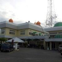 Photo taken at Masjid Telipot (مسجد تليڤوت) by Raden A. on 8/22/2012