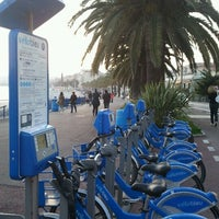 Photo taken at Vélo Bleu (Station No. 22) by Iarla B. on 4/1/2012
