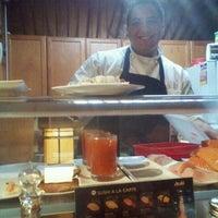 Photo taken at Tokyo Sushi Bar by Bianca G. on 8/23/2011