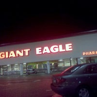 Photo taken at Giant Eagle Supermarket by Keith P. on 12/31/2010