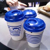 Photo taken at PARIS BAGUETTE by Helena C. on 4/12/2012