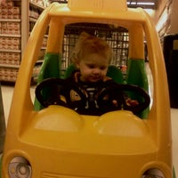 Photo taken at Lunds & Byerlys by Laura C. on 11/16/2011