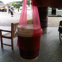 Photo taken at Ya Kun Kaya Toast by John R. on 3/12/2012